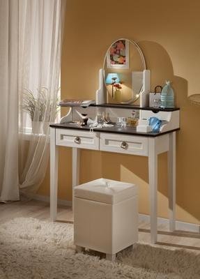 Стол туалетный Бриз